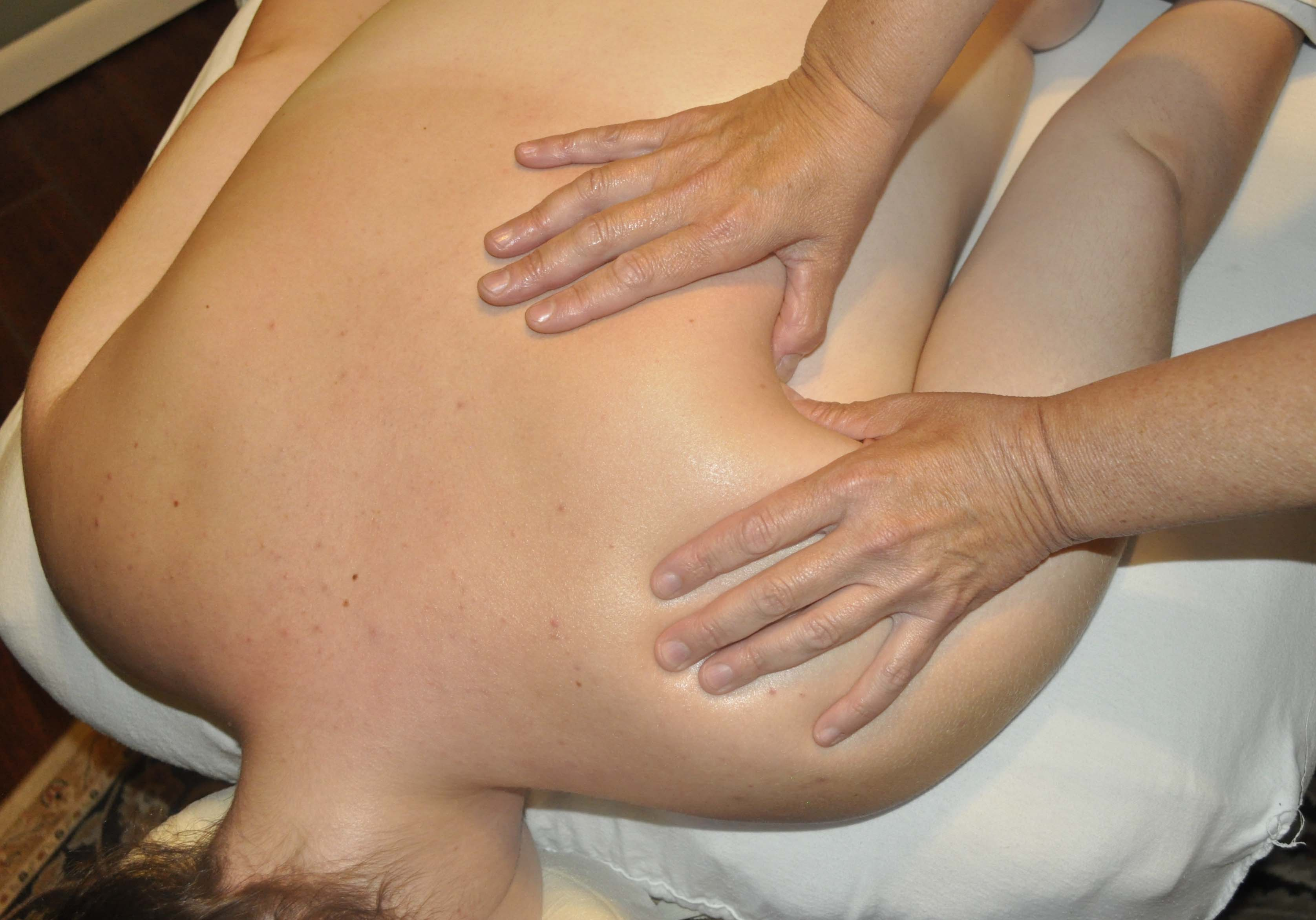 Benefits of Deep Tissue Massage!