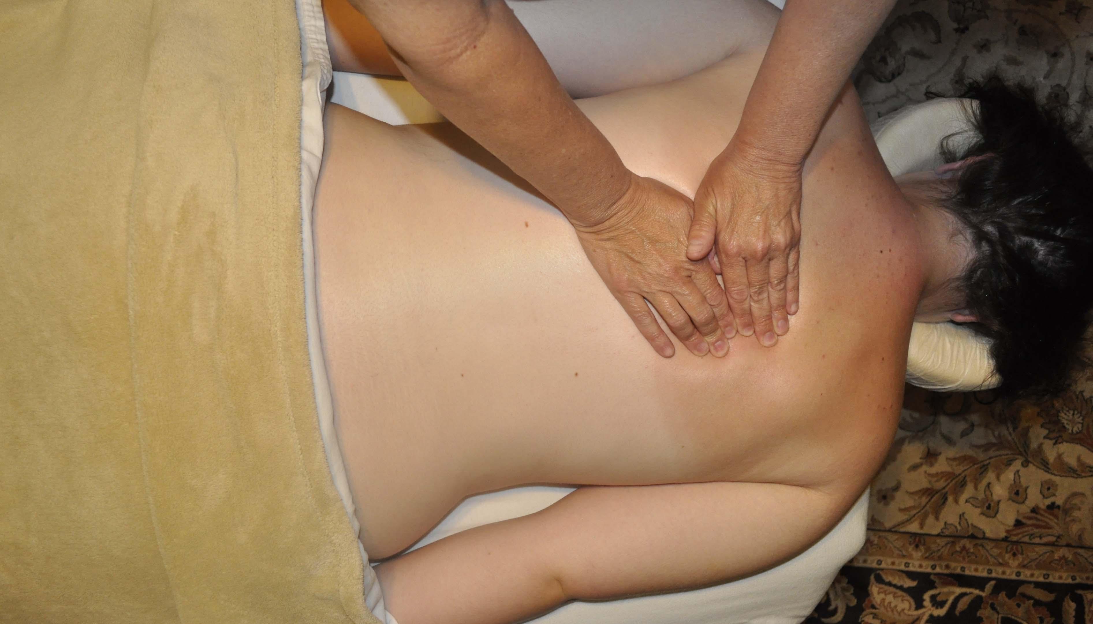 Bulging Disc in Back - 4 Natural Pain Killers!